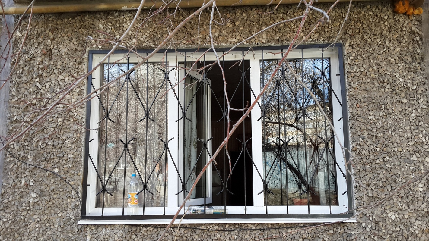 решетки на окна своими руками фото кровли