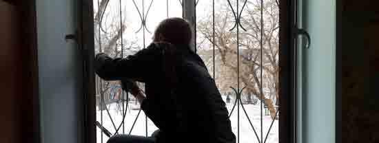 Установка решетки на окно