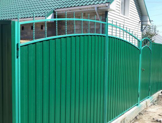 Ворота из профнастила с дугообразным верхом